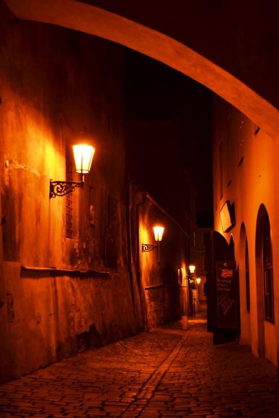 magical-night-walk-in-cesky-krumlov