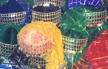 Hoofbedekkings vir buikdanseresse - om die misterie te bewaar