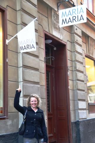 ons-het-heerlik-by-maria-gekuier-en-toe-loop-ons-haar-winkel-ook-raak