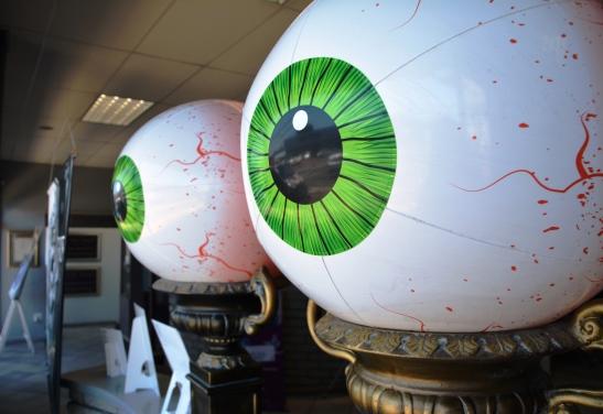 Only in Voortrekker Road... eyeballs as big as beach balls