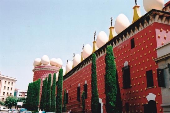 'n Fort of dalk 'n kasteel met bisarre dakversierings