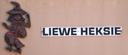 Liewe Heksie Strandhuis-naam