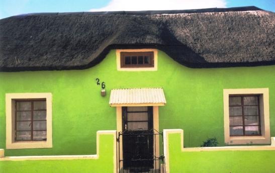 Elim is 'n ou sendingstasie naby Bredasdorp en is bekend vir sy kleurvolle huisies (2)