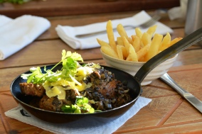 Die immergewilde biefstukrepies met parmesaan by Black Oystercatcher