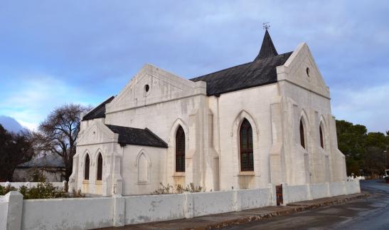 Soggens vroeg lui die kerkklok in Philippolis