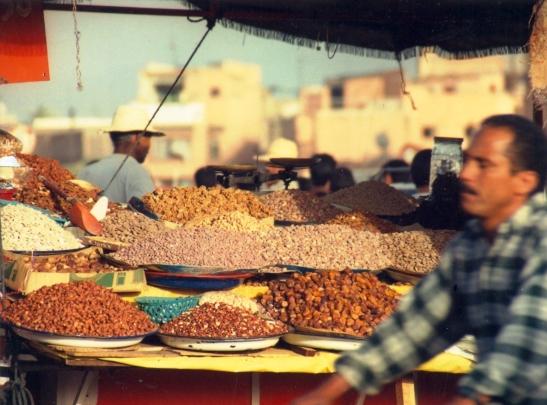 Dadels en Neute te koop op Djemaa el Fna plein