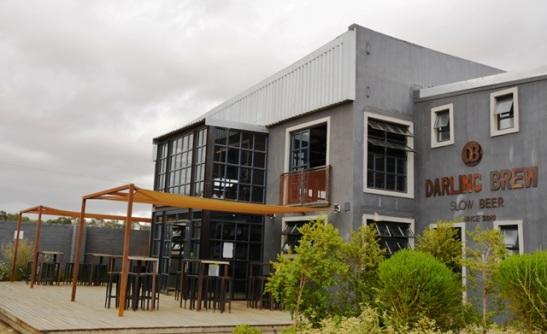 By Darling Brew kan jy bier proe en by die restaurant aansit; daar is ook speelplek vir kinders