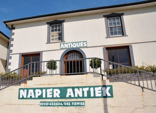 Napier Antiek is housed in an old grande dame in the main road