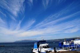 Baikal-meer op 'n mooi, helder dag