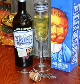 Death in the Afternoon, vonkelwyn met absint - Absente is Spaans vir absint