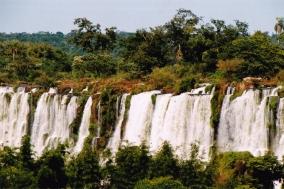 Die Iguazu is 'n natuurlike wonder om te aanskou!