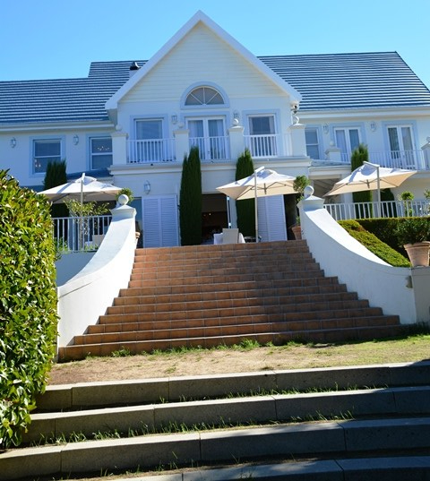 The Light House has five suites with views over the Paarl Mountains