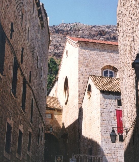 In Dubrovnik is daar nie verskillende boustyle nie, maar dit verleen sjarme aan die stad binne die stadsmure