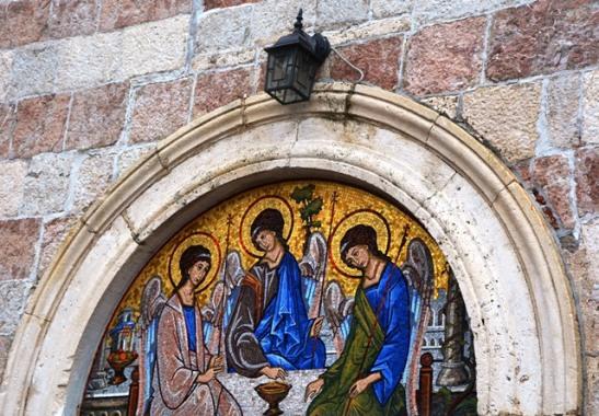 Moenie by enige kerk in Montenegro verbyloop nie; die religieuse kuns is verbysterend mooi
