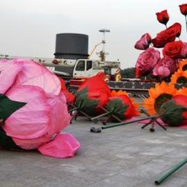 'n Gewerskaf om Tiananmen-plein vir China se nasionale dag gereed te kry