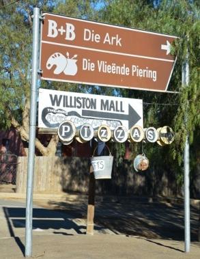 Wyduiteenlopende name - van Die Ark tot Die Vlieende Piering - in Williston