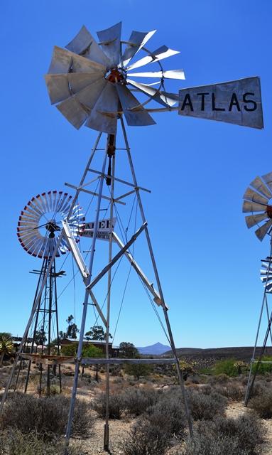 By Loeriesfontein se windpompmuseum waar jy jou verluister aan die windpompe wat draai
