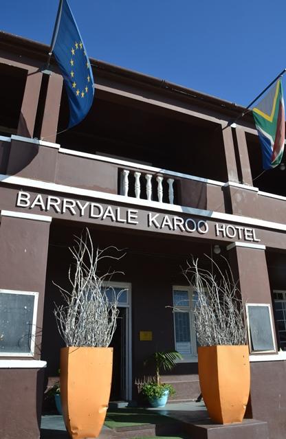 Die Barrydale Karoo Hotel voor hulle 'n nuwe baadjie aangetrek het