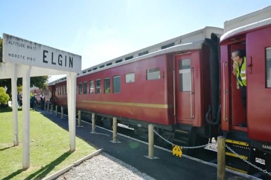 Al duur die lekkerte tussen Kaapstad en Elgin-stasie 'n paar uur wil 'n mens nie he die lekkerte moet ophou nie