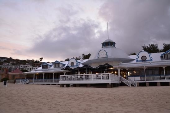 Die Santos-pawiljoen in Mosselbaai is omskep in Jackal on the Beach