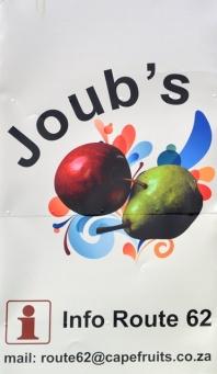 Die Joub's Sentrum op Roete 62 in Joubertina huisves 'n restaurant, wynwinkel en geskenkwinkel