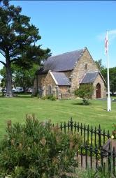 Die tuine van St George Anglikaanse Kerk bied rusplek vir jou voete en jou siel