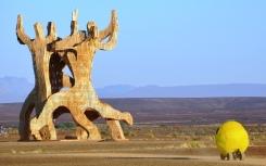 X Clan (gebou deur Mike Rule en baie helpers) was een van die gewildste beelde wat nog by Afrikaburn was