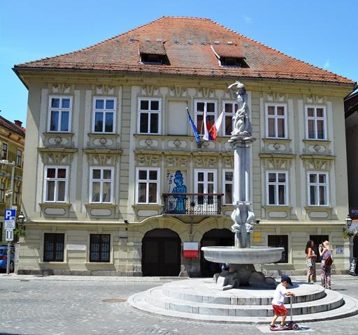 Die Ou Dorp van Ljubljana het 'n magdom Art Nouveau- en barok-styl geboue