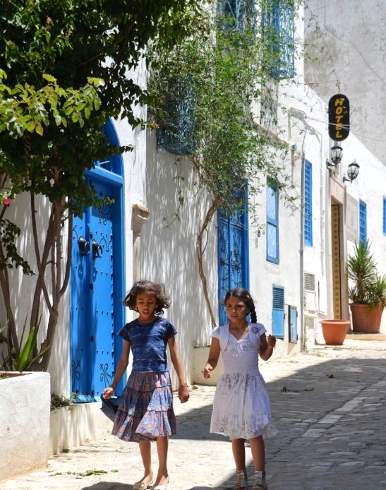 Hotel Sidi Bou Fares is in 'n stil straatjie gelee