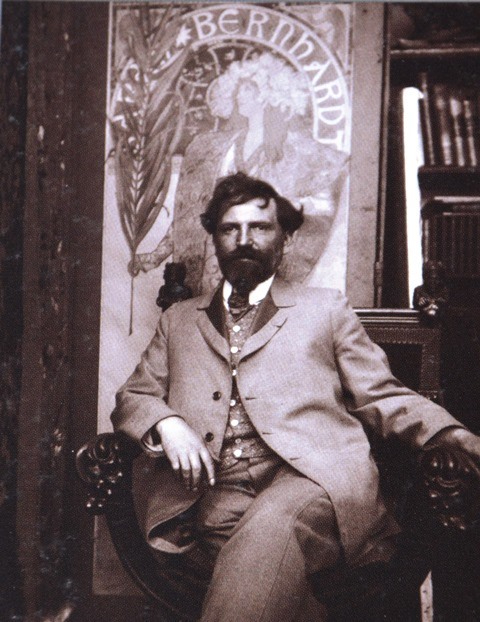 'n Foto van Alfons Mucha uit die brosjure van die Mucha Museum