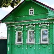 'n Tipiese huisie in Suzdal - met houtbroekieslace en uitgekerfde vensterrame