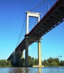 Op 'n bootvaart deur Bordeaux vaar jy op drie riviere, die Garonne, Gironde en Dordogne,en meer by verskillende dorpies vas