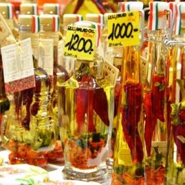 Paprika word in 'n verskeidenheid van produkte gebruik waaronder vrugtebrandewyn en olyfolie