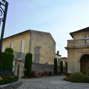 Saint-Emilion word as een van die mooiste dorpies in Frankryk beskou