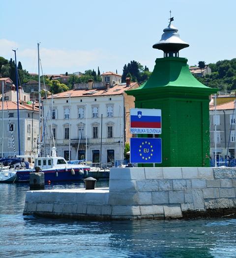 Die Republiek van Sloewenie is baie trots op hul onafhanklikheid
