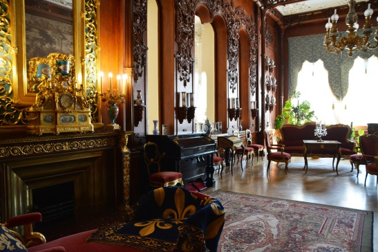 The state rooms in Yusupov Palace seem to invite you to linger longer in order to take it all in