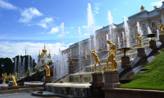 The statues amid the fountains at Peterhof appear to be gold but they are bronze though very impressive nevertheless