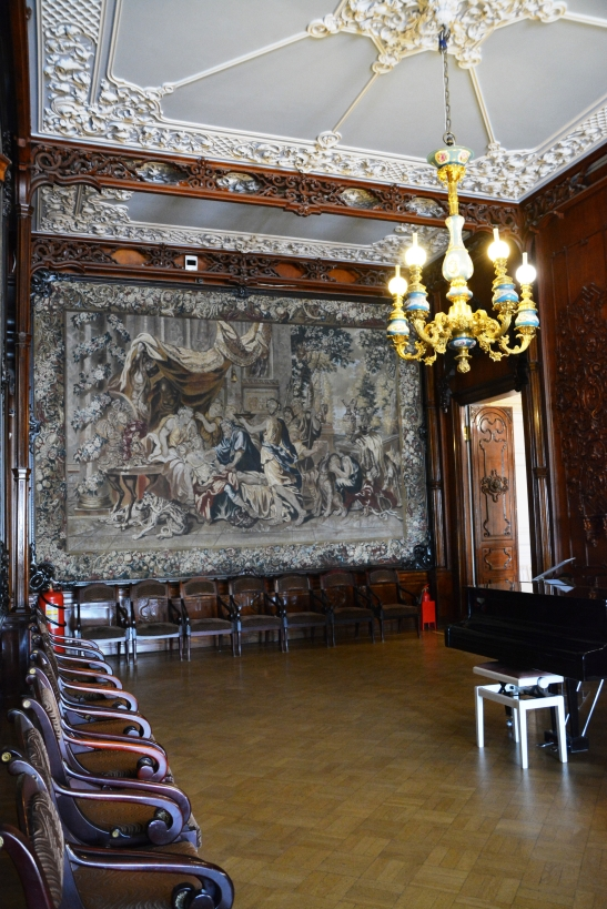 The tapestry room at Yusupov Palace oozes splendour