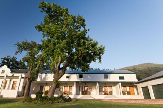 Die d'Olyfboom-gastehuis is in die hartjie van die Paarl met 'n uitsig oor die hele vallei (Foto verskaf)