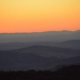 Die son sak oor die vlaktes by Naries Namakwa Retreat