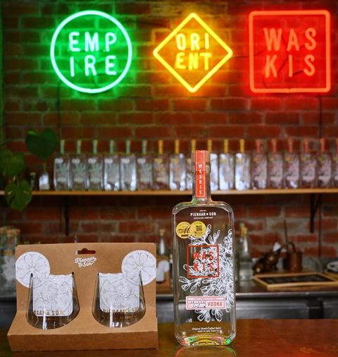 Pienaar & Son distilleer nie net Waskis-wodka nie, maar ook Empire- en Orient-jenewer
