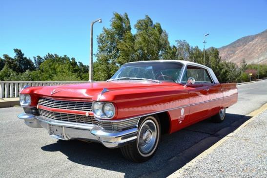 Ry met American Dream Cars deur Montagu of gaan proe wyn in Robertson