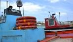 Besoek die Waenhuiskrans-grot en die Arniston-vissershawe; moenie nalaat om die bootname te lees nie