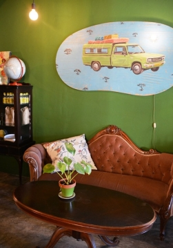 Stargarden at the traffic circle in Fish Hoek has funky retro decor and fabulous food