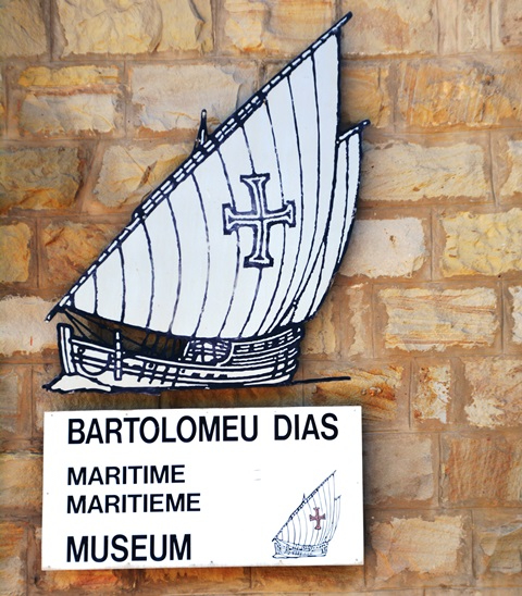 At the Bartolomeu Dias Museum you can visit the maritime and a shell museum