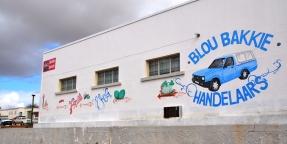 Blou Bakkie Handelaars is in die 'hoofstraat' van Garies