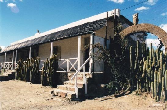 Helen Martins se Karoo-huis op Nieu-Bethesda verklap nie wat binne aangaan nie